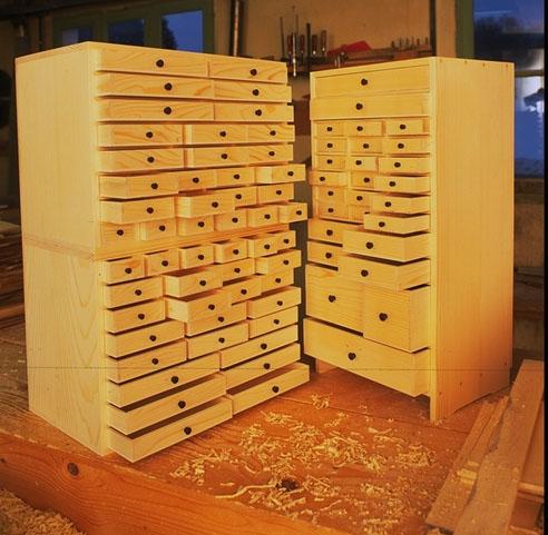 Le rangement des pi ces lego for Petit meuble plein de tiroirs